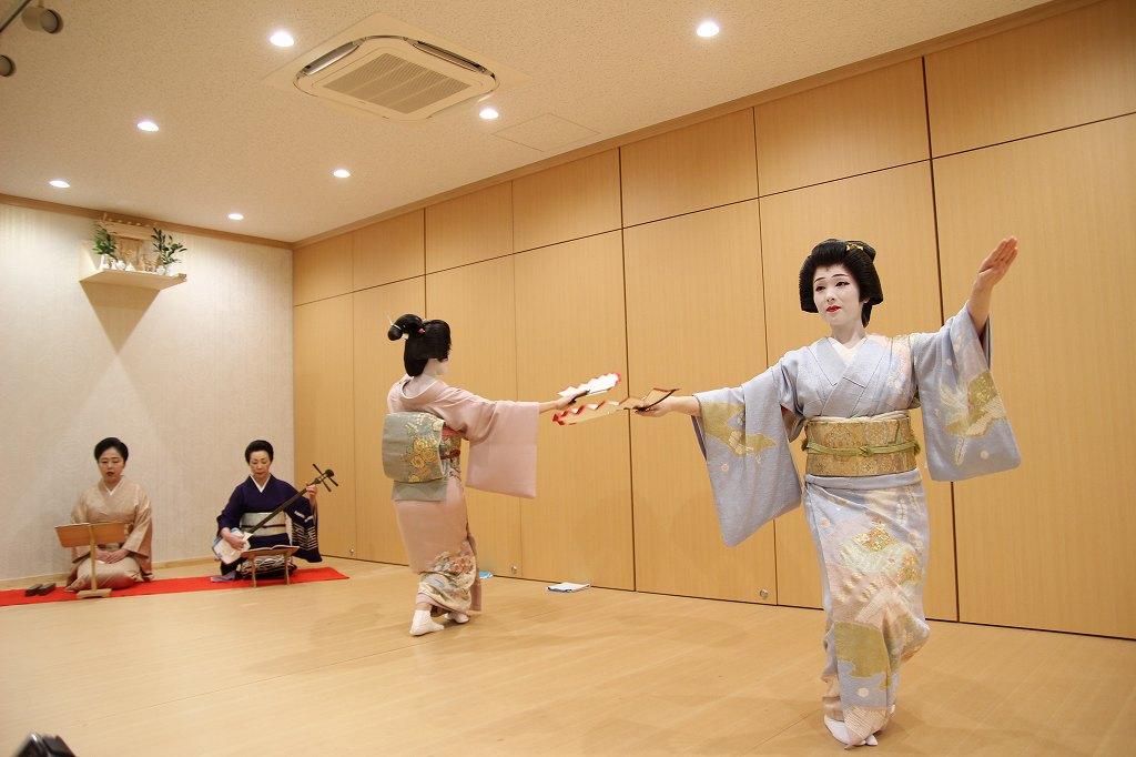 """""""Hakata Bijin"""" beautiful ladies in Fukuoka"""