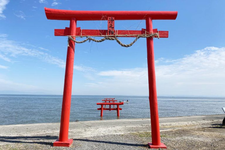 Oouo Shrine and 'Floating Torii Gates' on the Ariake Sea